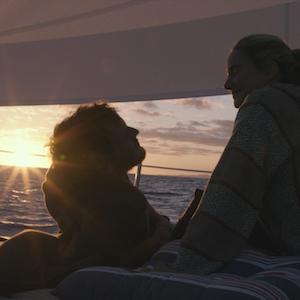 Die Farbe des Horizonts - Unsere Kritik zum Seenotdrama mit Shailene Woodley