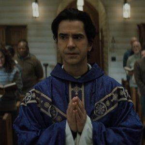 Midnight Mass - Ausführlicher Trailer zur neuen Horrorserie
