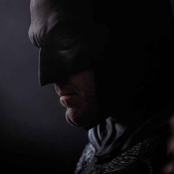 The Batman - Werft einen ersten Blick auf das Kostüm von Robert Pattinson