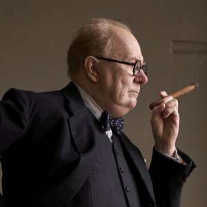 Churchill-Die-dunkelste-Stunde.jpg
