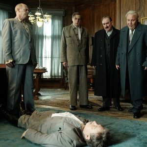 The Death of Stalin - Deutscher Trailer zur Satire mit Steve Buscemi, Michael Palin und Jason Isaacs online